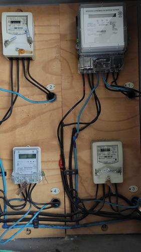 Imagem 1 de 4 de Profissional Na Área De Eletricista Instalador Residencial