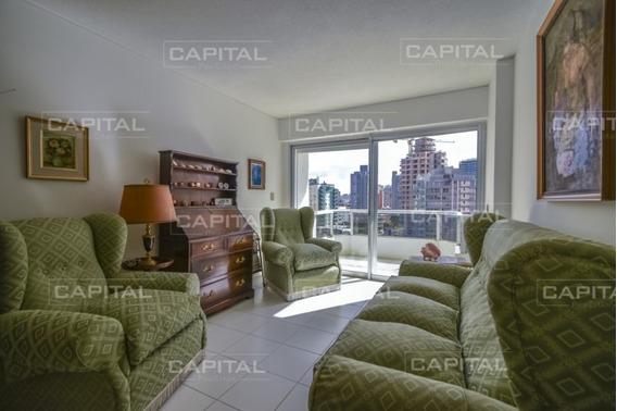 Apartamento De Dos Dormitorios En Venta Oportunidad Con Vista Al Mar - Punta Del Este-ref:28801