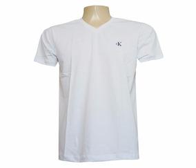 d81b7fe69e Camisa Calvin Klein Gola V. 8 cores. R  49 90