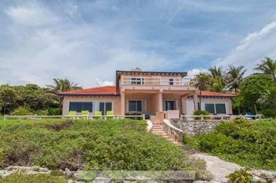Hermosa Villa Frente Al Mar Con Espectaculares Vistas Al Mar