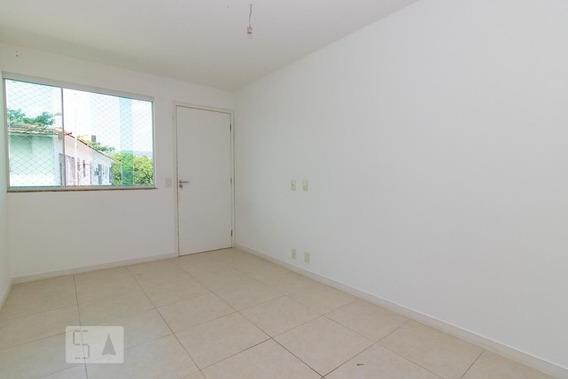 Apartamento No 1º Andar Com 1 Dormitório E 1 Garagem - Id: 892975739 - 275739
