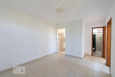 Apartamento No 4º Andar Com 2 Dormitórios E 1 Garagem - Id: 892932308 - 232308