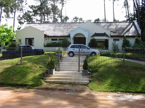Excelente Casa En San Rafael, Zona Tranquila Ideal Para Descanso- Ref: 48247