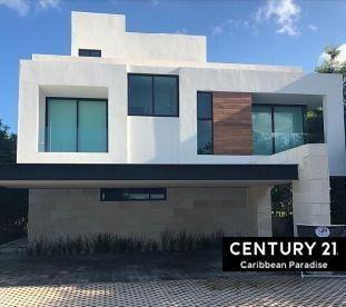 En Venta Casa En Zona Hotelera De Cancún - Country Club C2697