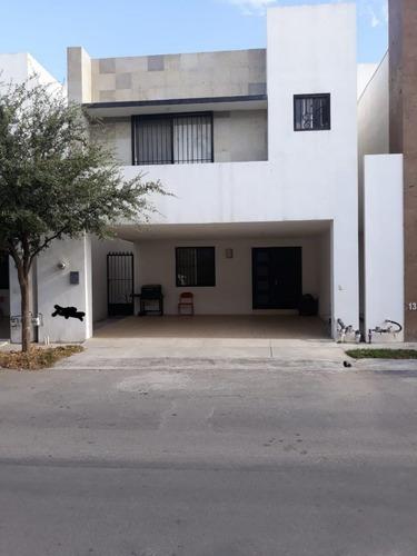 Casa En Calzadas Anáhuac, General Escobedo