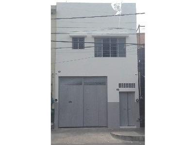 Local Comercial Con Almacén Y Oficinas En Sector Libertad