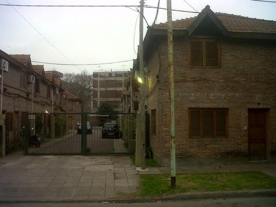 Dúplex 2 Dormit. C/p; Patio, Baño, Toilete, Cochera.