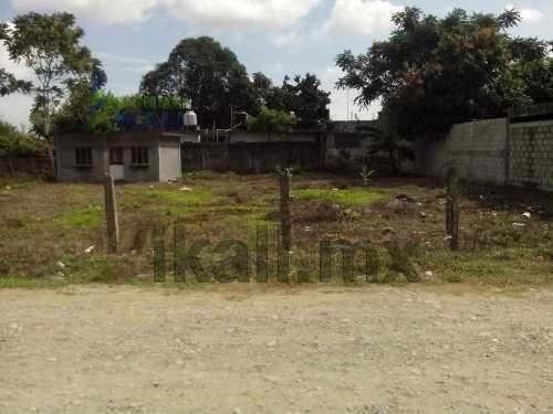 Venta De Terreno Tuxpan Veracruz 1192 M² Calle Álamo Amp. Rodríguez Cano, Son 2 Terrenos Juntos Con Una Pequeña Construcción En Medio, Tiene Un Frente A La Calle De 40 Metros Por 30 De Fondo, La Zona