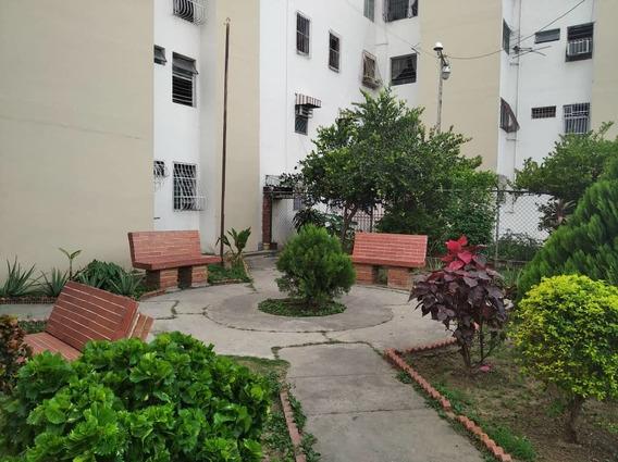 En Venta Apartamento En Piñonal 04241308260