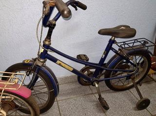 Bicicleta Infantil Caloi Modelo Batman Com Rodinhas Laterais