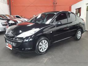 Peugeot 207 Passion 1.4 Xr Flex 4p 2010/2011