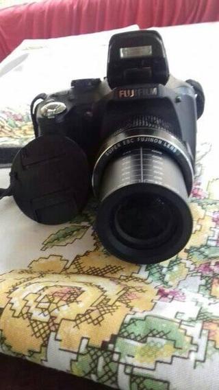 Camera Fotográfica Semi Profissional Fujifilm