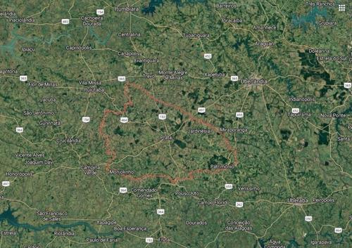 Fazenda Dupla Aptidão Para Venda Na Região De Prata-mg, Com 50 Alqueirao ,atual Montada Para Pecuária, Planta 70%, Boa De Agua, Casa Sede - Fa00210 - 69441836