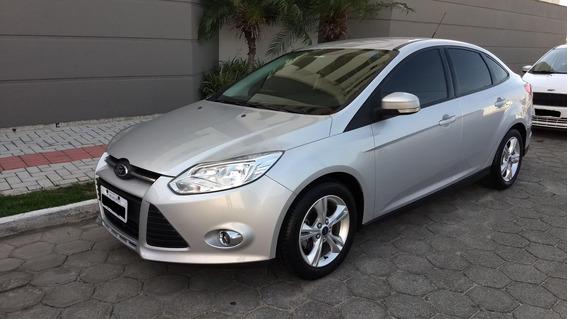 Focus Sedan 2.0 Automático - Completo