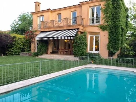 Hermosa Casa De Estilo Italiano En Ayres De Pilar