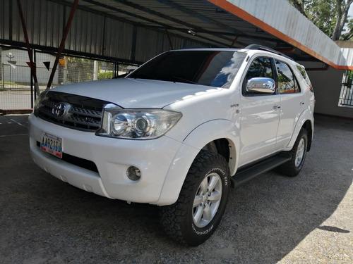 Toyota Fortuner 2010 4x4