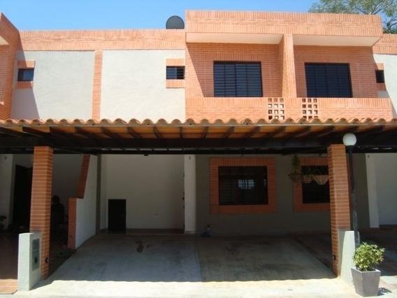 Townhouses, En Venta Cod 414823 Hilmar Rios 04144326946