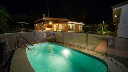 Casa En Punta Del Este, San Rafael- Ref: 932