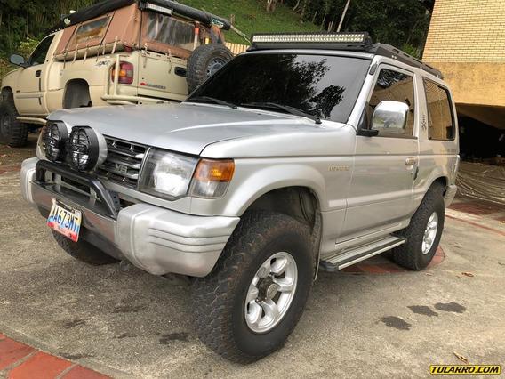 Mitsubishi Montero Dakar 4x4