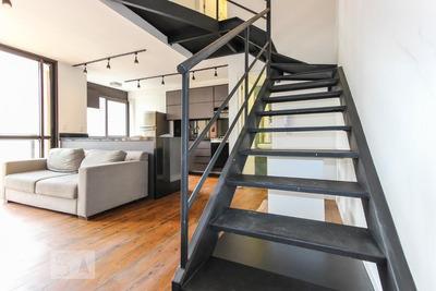 Studio No 12º Andar Mobiliado Com 1 Dormitório E 2 Garagens - Id: 892862979 - 162979