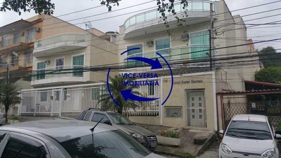Casa Triplex À Venda Em Vila Valqueire - Sala, Lavabo, 3 Quartos, 1 Suíte, Copa-cozinha, Piscina, 2 Vagas De Garagem. - 1352