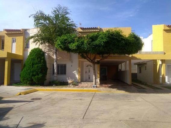 Casa Alquiler Av Milagro Norte Maracaibo Api 4420