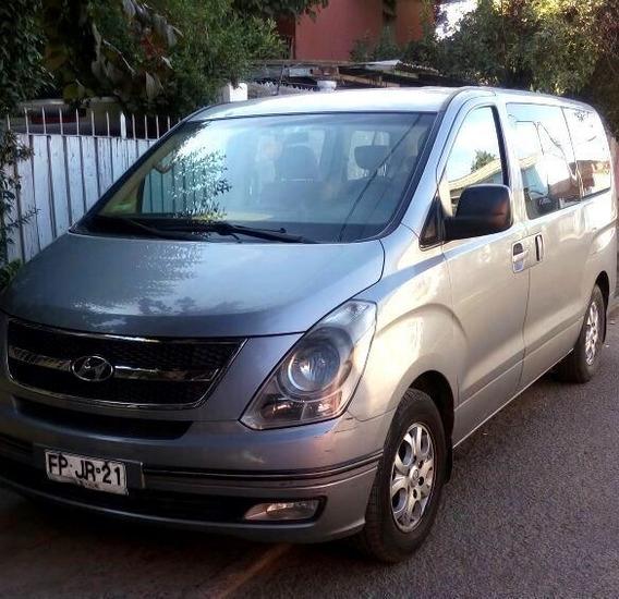 Van Hyundai H1 Gris 9 Pasajeros Excelente Estado