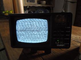 Antiga Mini Tv Am/fm Portatil Osaka 5 Polegada Preto/branco.