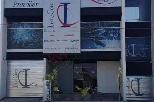 Edificio De Oficinas, Tres Niveles, Irapuato, Guanajuato