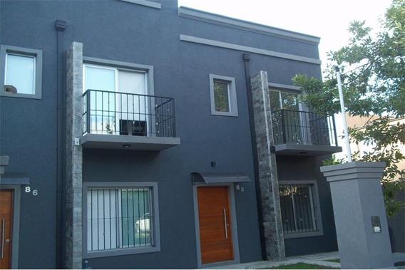 Duplex De 2 Dormitorios Y Espacio Para Cochera