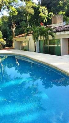Casa En Venta En Cuernavaca Con Alberca $2,200,000