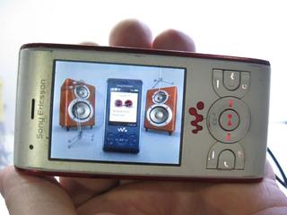 Celular Sony W595 Funcionando Sem Bateria Ler Anúncio Fotos