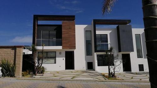 Casa Amplia Nueva, Con Cascada En Jardín, Lomas De Angelópolis Cascatta