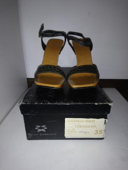 Sandalías Negras Ricky Sarkany