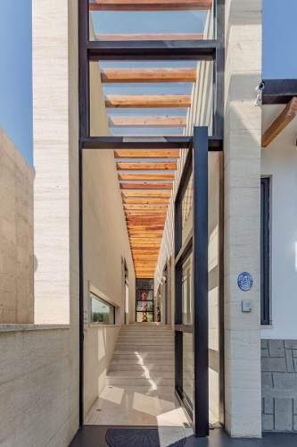 Preciosa Residencia En Venta En Rancho San Francisco