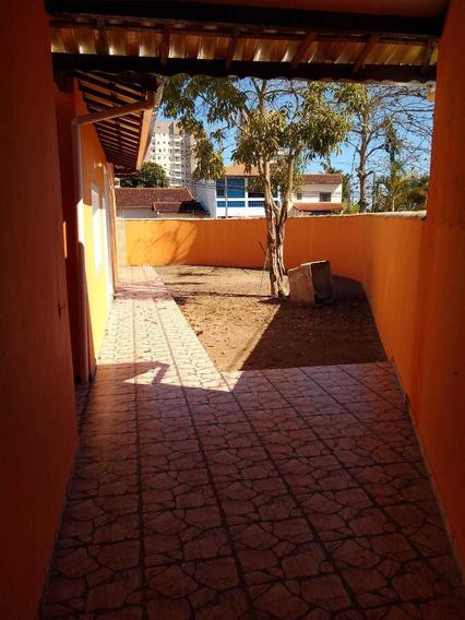 Casa Localizada No Bairro Savoy Em Itanhaém, 380 Mts Do Mar