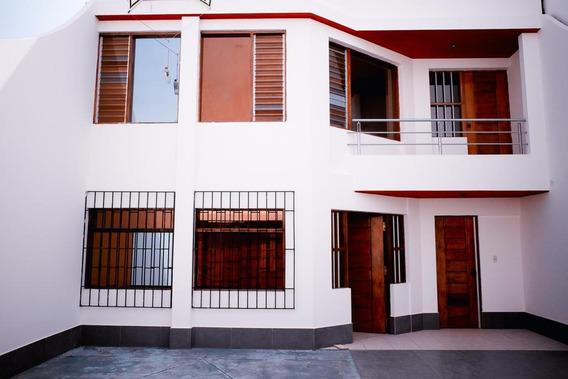 Se Vende Casa De Playa De Dos Pisos Con En Arica De Estreno