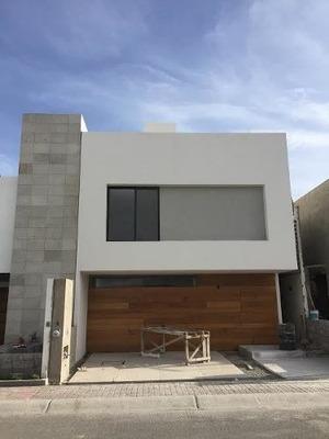 Estrena Hermosa Casa 3 O 4 Hab. + Cto. De Servicio. En Condesa Juriquilla