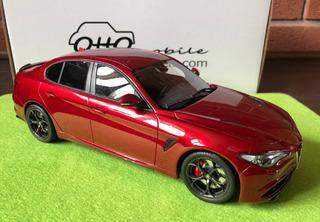 Miniatura Alfa Romeo Giulia Quadrifoglio Competizione 1/18