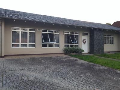 Casa No Saguaçú Com 3 Quartos Para Locação, 210 M² - Lg1270