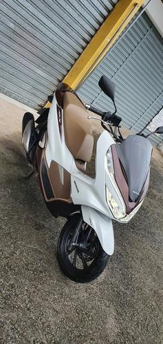 Imagem 1 de 12 de Honda Pcx