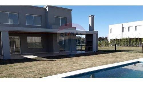 Casa 5 Amb. Venta Nordelta U$s 300000 Y 12 Cuotas