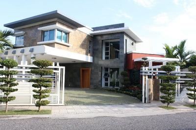 Moderna Casa En Los Cacicazgos