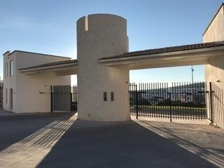 Departamento En Renta. Residencial El Refugio. Rdr170912- Ae