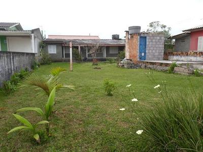 Casa 3 Quartos 1 Banheiro Sala Cozinha E Area De Serviço.