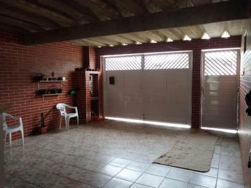 Casa Em Itanhaém Lado Serra, 600 Metros Da Rodovia.
