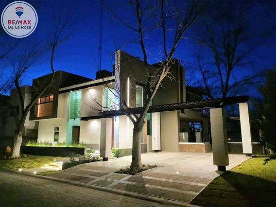 Espectacular Casa En Venta Fraccionamiento Misión Real Castilla