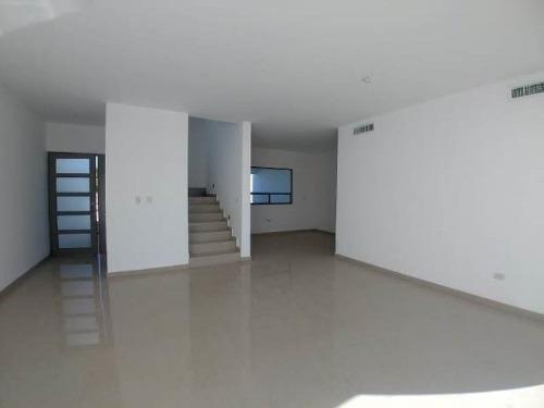 Casa Sola En Venta Fracc. Villas De Las Palmas (viñedos)