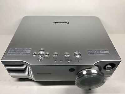 Projetor Panasonic Pt-ae900u Hd 720p Com Controle Remoto