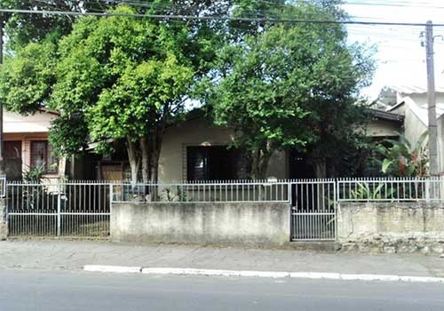 Casa Alvenaria ( Terreno Com 300m² )